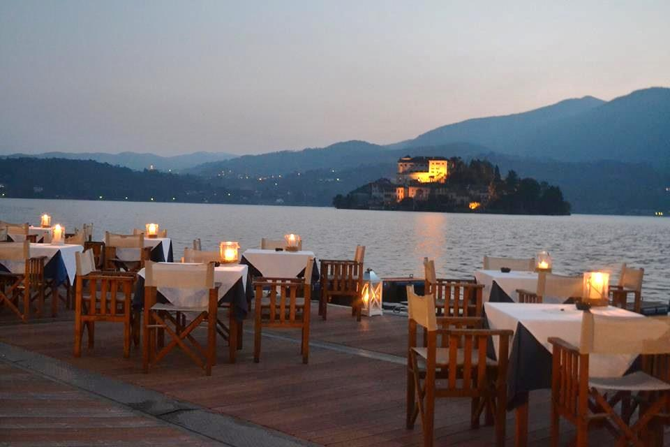 candle light dinner in Lake Orta