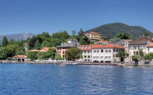 Venue Lake Orta