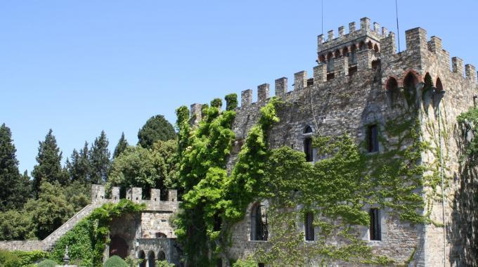 Tuscany 01: the beautiful Castello di Vincigliata