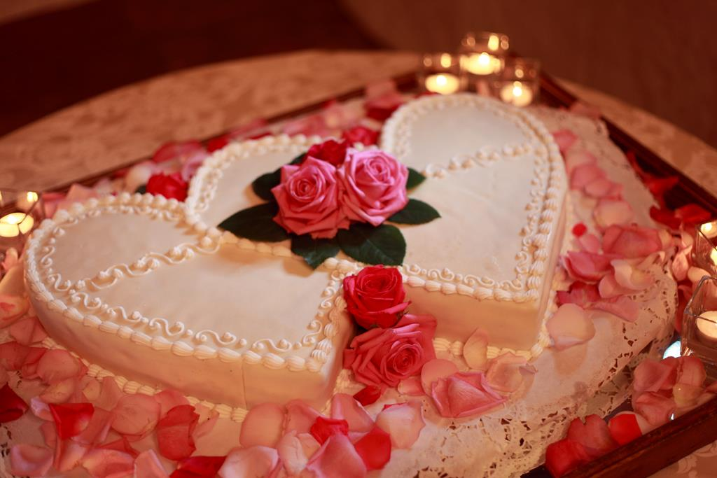 Heart Shaped Wedding Cakes Pictures In Ravello Cake Shape